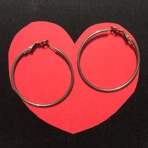 Jewelry - Simple hoop earrings